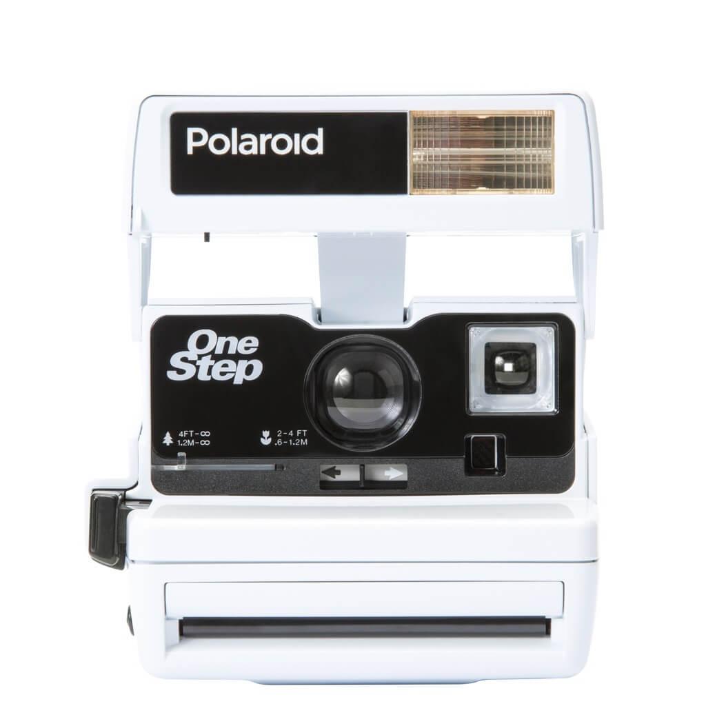 polaroid instant 600 kamera bright white fotoapparat. Black Bedroom Furniture Sets. Home Design Ideas